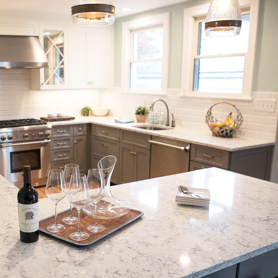 Marble countertop in grey and white renovated kitchen